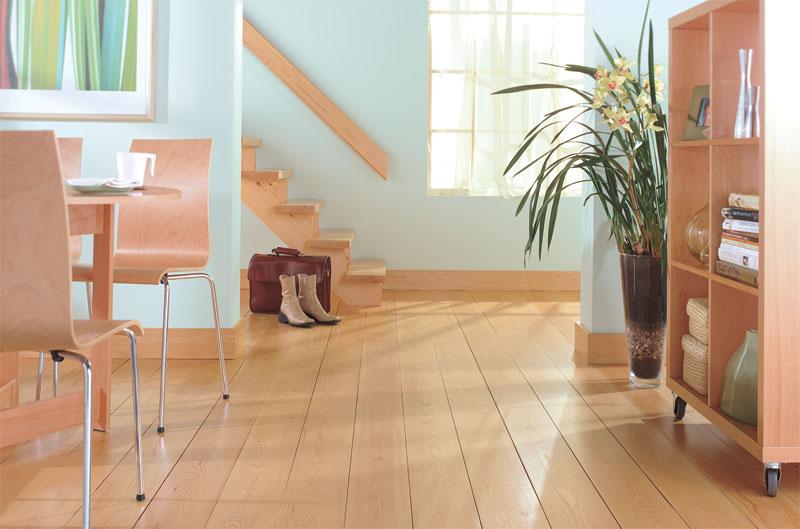 Aplicarea in mod regulat a produselor de protectie extinde durata de viata a lemnului